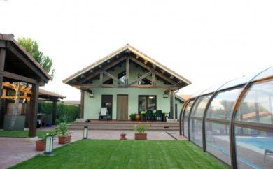 casa con fachada sate
